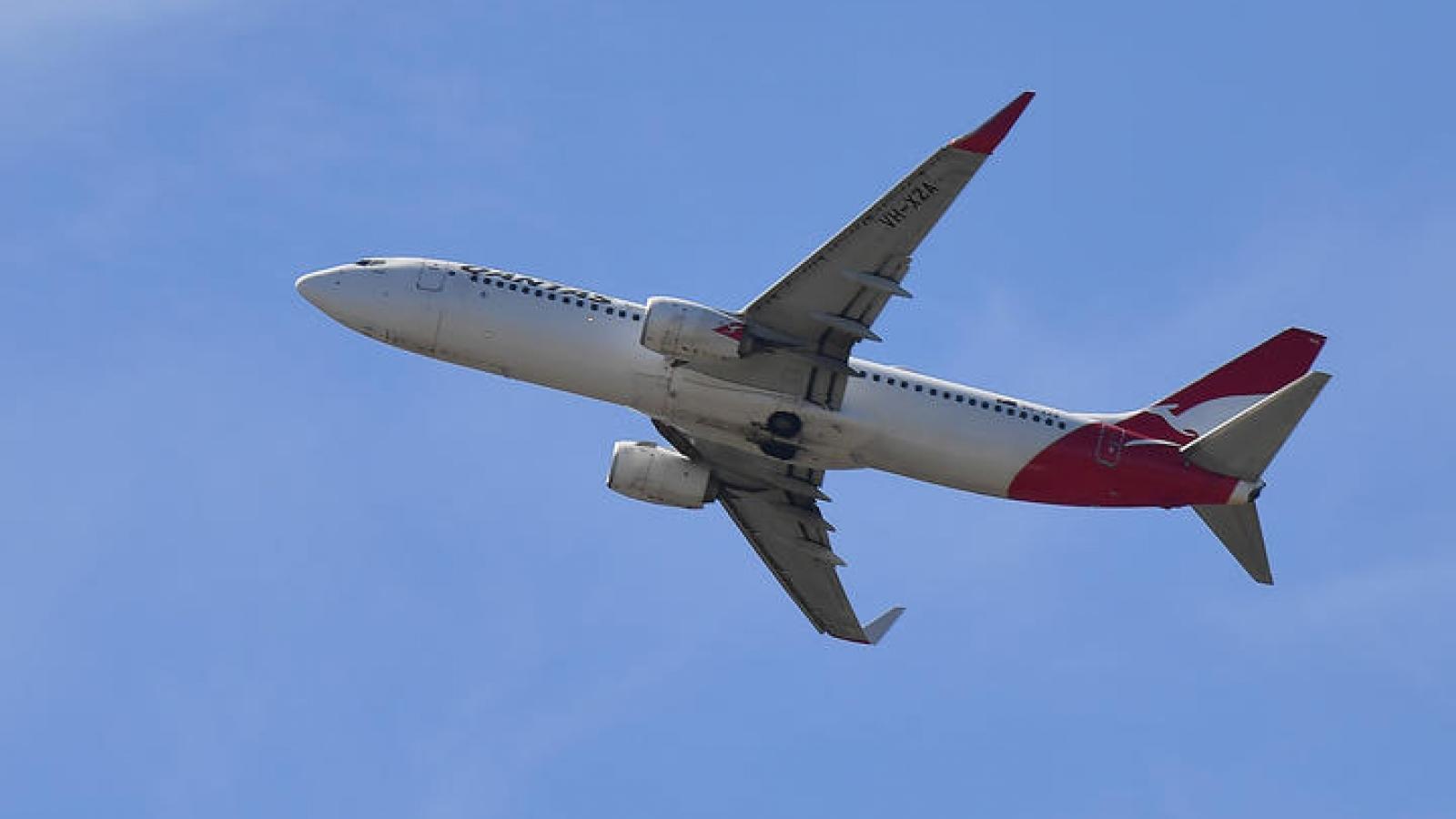 New Zealand lại cân nhắc tạm dừng một số chuyến bay thẳng từ Australia
