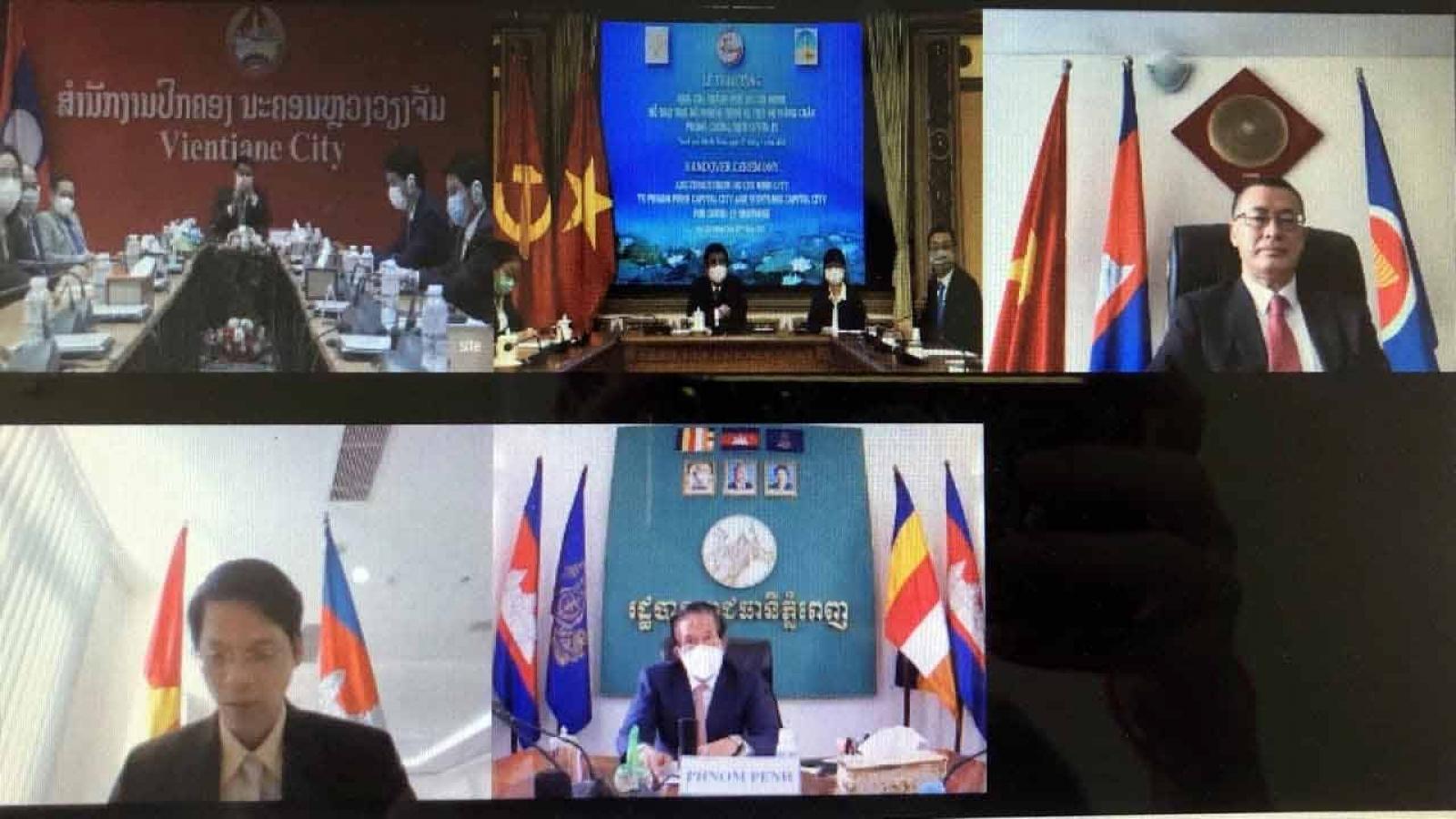TP HCM trao quà hỗ trợ 2 thủ đô Phnom Penh và Vientiane