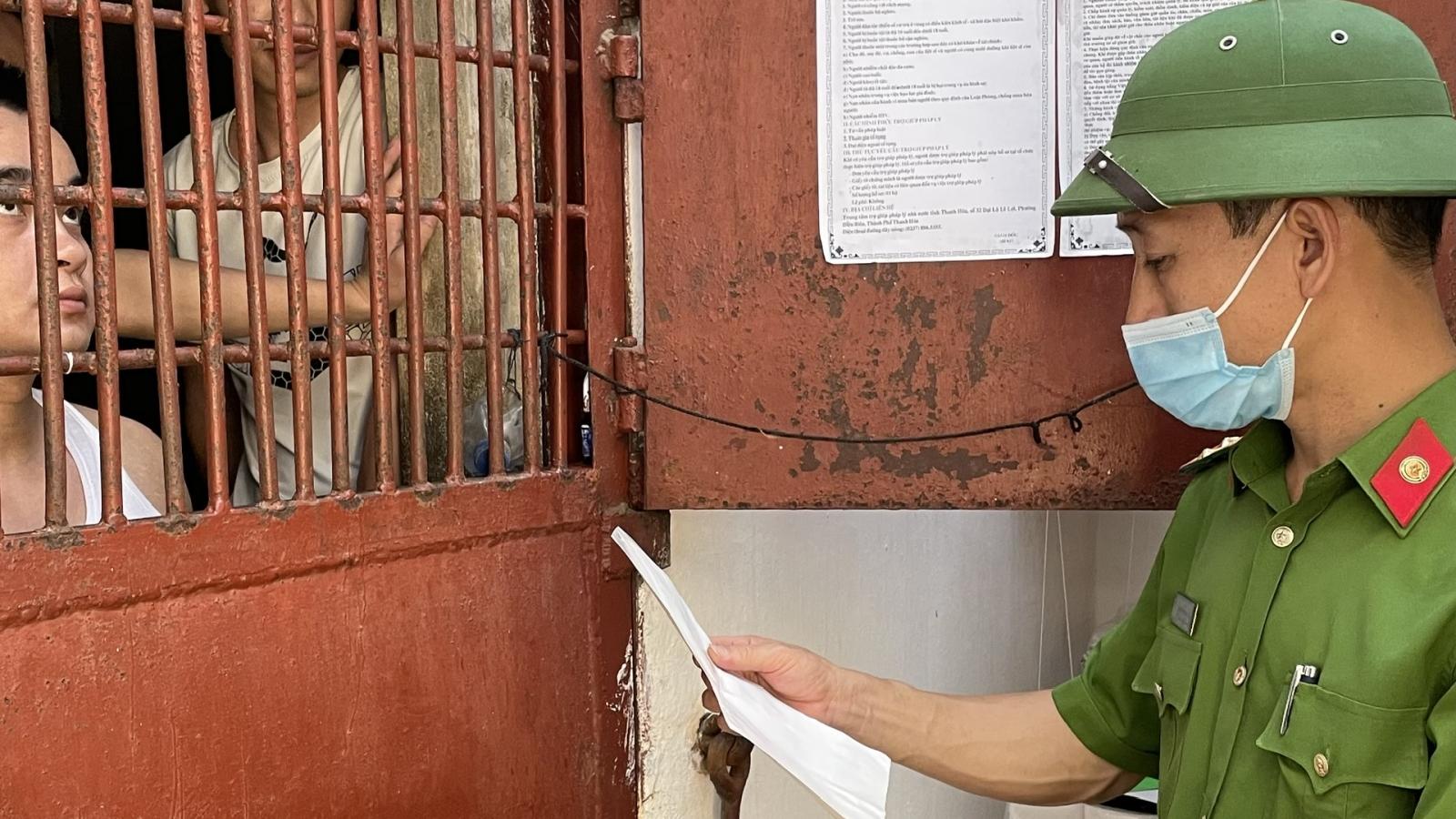 Cử tri là người bị tạm giữ, tạm giam sẽ bỏ phiếu tại buồng giam