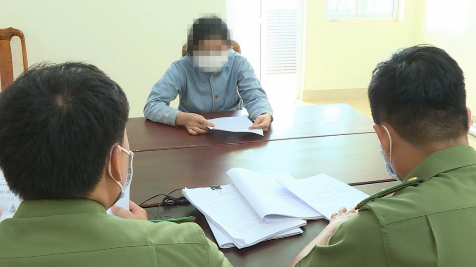 Tung tin sai sự thật về dịch Covid-19, một phụ nữ bị xử lý