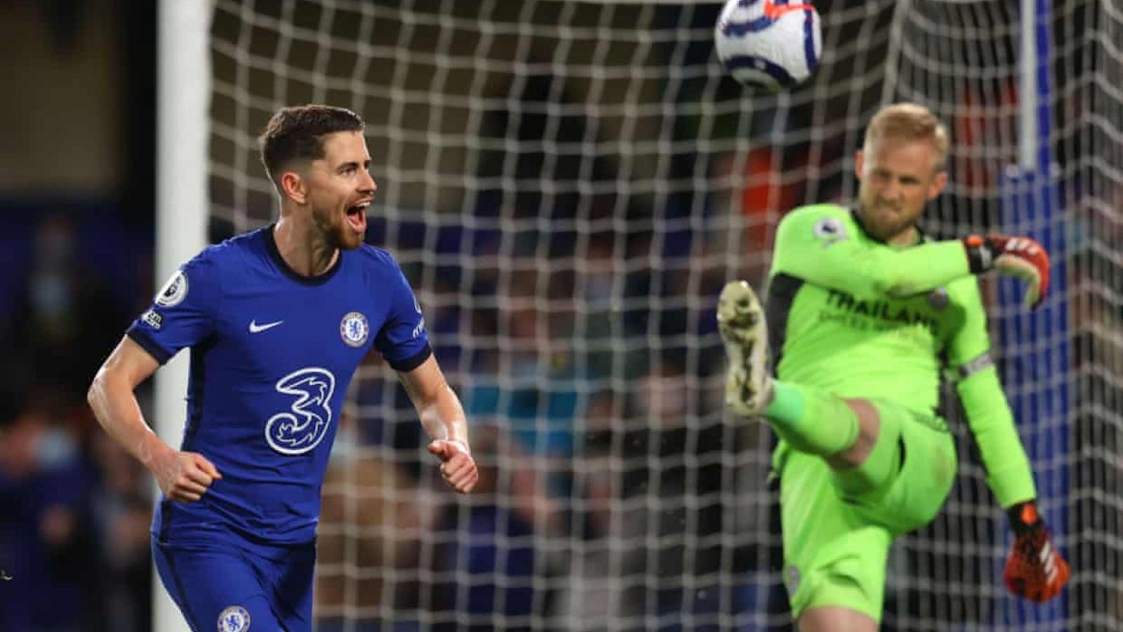 Hạ gục Leicester, Chelsea chạm 1 tay vào tấm vé dự Champions League