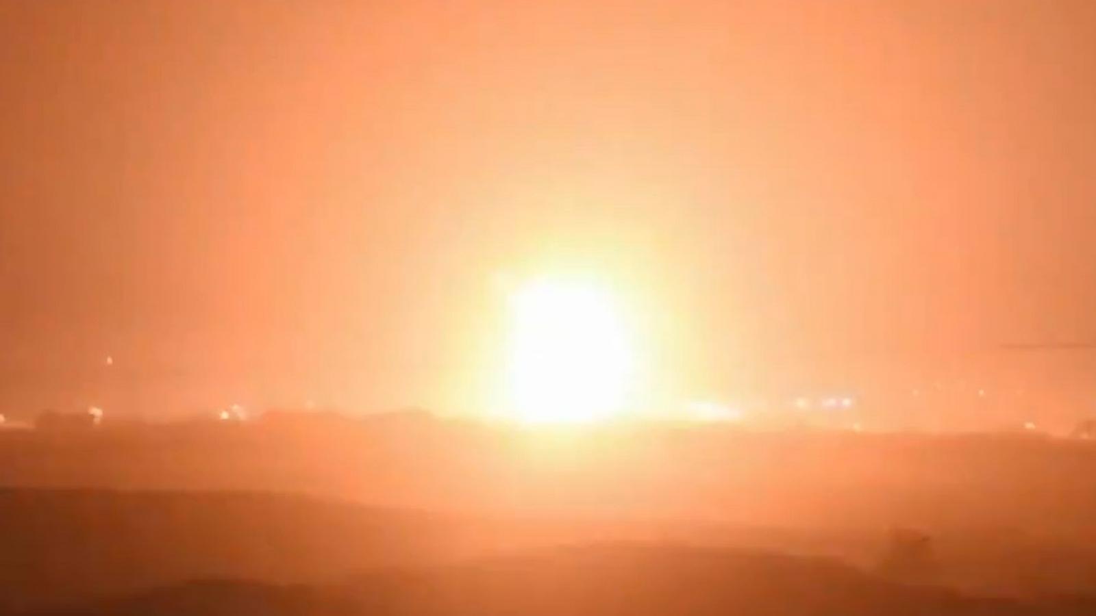 Israel huy động ồ ạt máy bay, xe tăng, pháo binh và bộ binh để tiến đánh Hamas