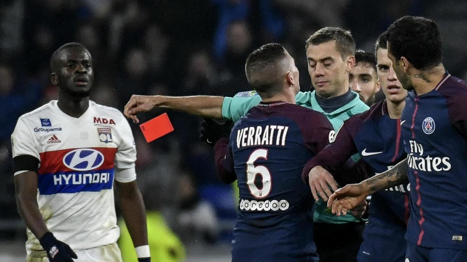 """""""Vua thẻ"""" người Pháp điều khiển trận chung kết Europa League giữa MU và Villarreal"""