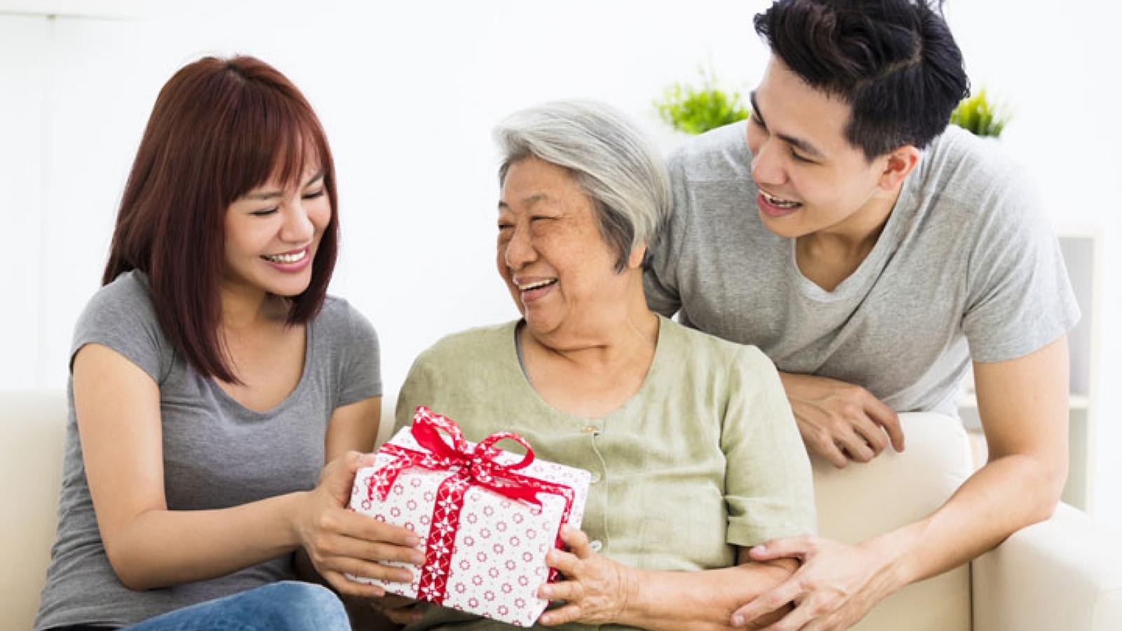 10 gợi ý quà tặng ý nghĩa cho Ngày của mẹ