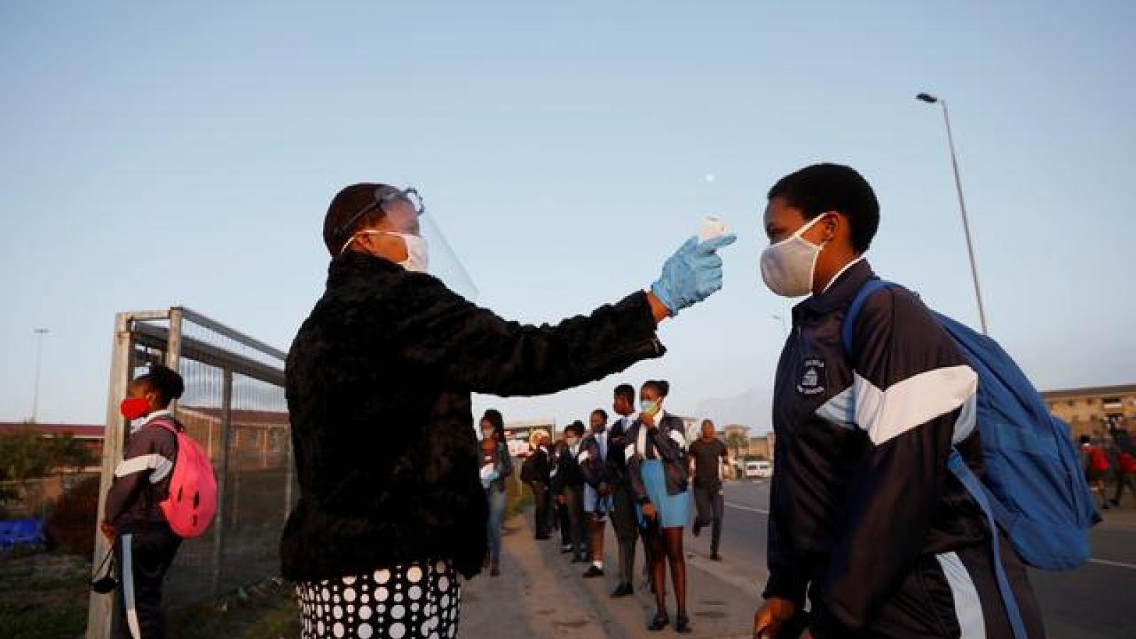"""HĐBA LHQ: Châu Phi đang bị """"lãng quên"""" trong cuộc chiến vaccine Covid-19 toàn cầu"""