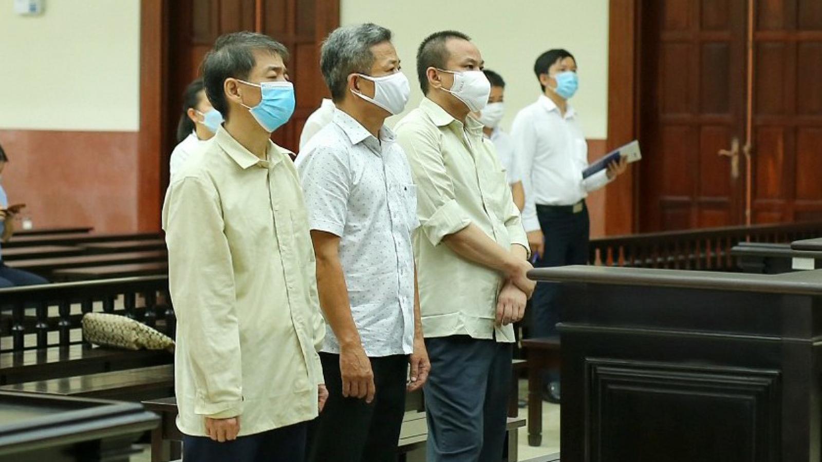 Hủy án sơ thẩm vụ cựu Bí thư Thị xã Bến Cát mua đất thế chấp giá rẻ