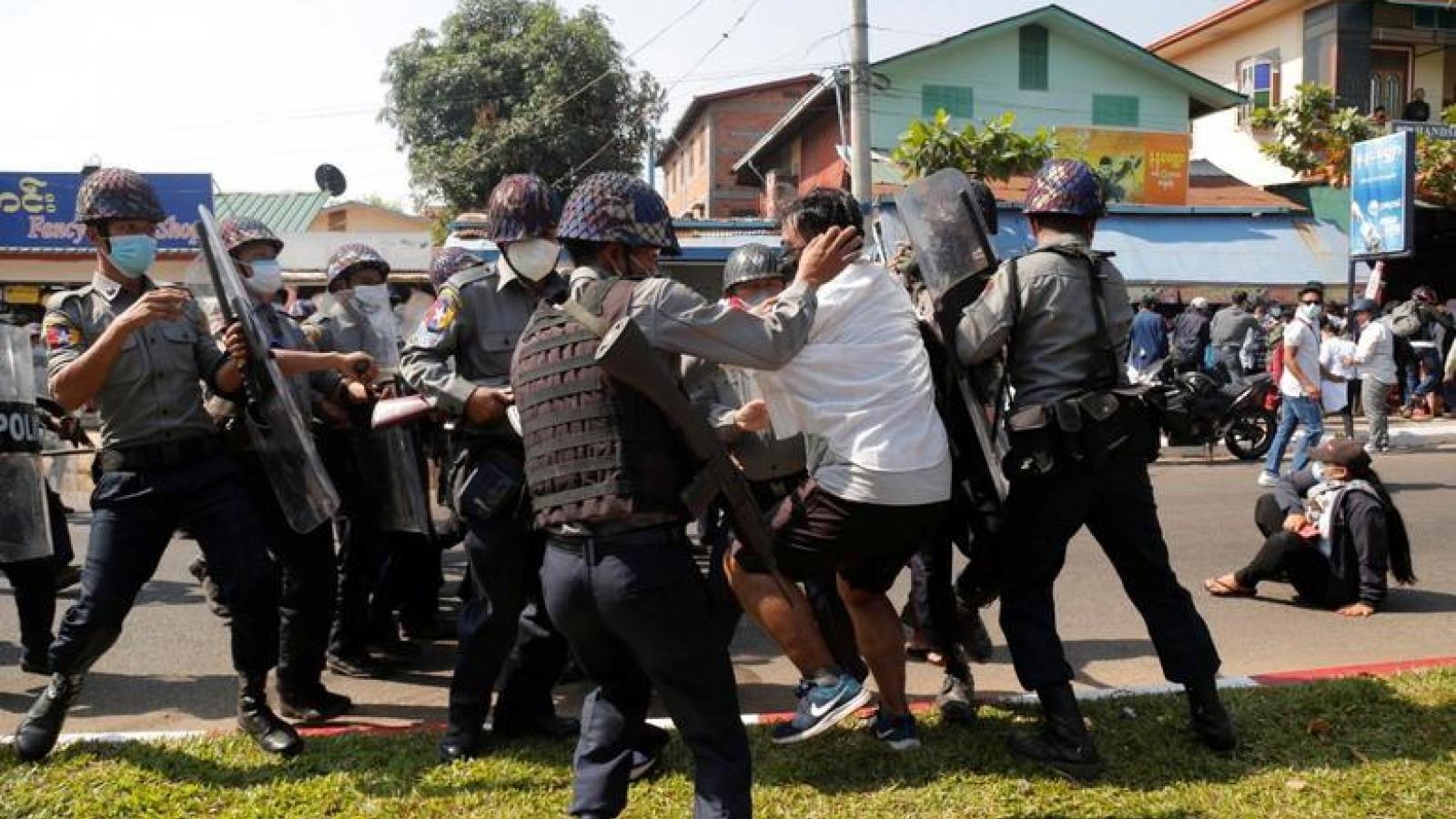 Mỹ áp thêm lệnh trừng phạt các quan chức Myanmar
