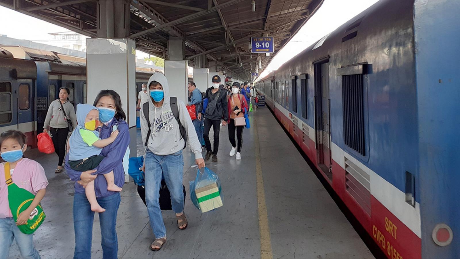 Dừng hoạt động tàu Hà Nội-Yên Bái, Hà Nội-Hải Phòng, xe khách không đón khách ở Vĩnh Phúc
