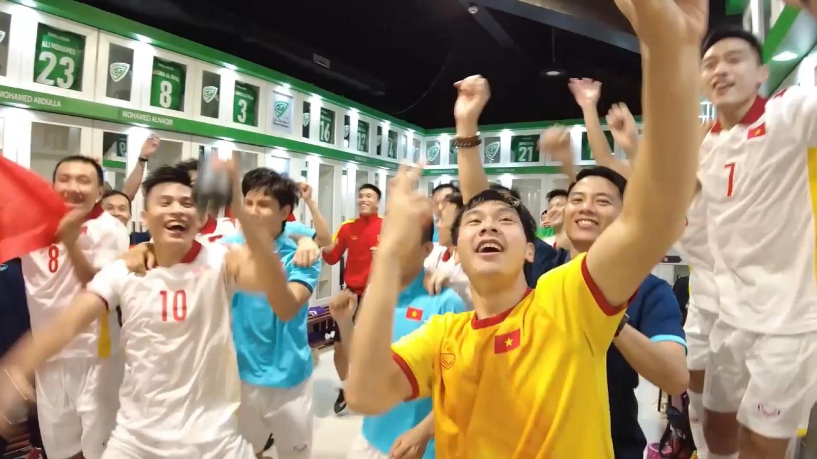 ĐT Futsal Việt Nam ăn mừng cuồng nhiệt sau khi giành vé dự World Cup