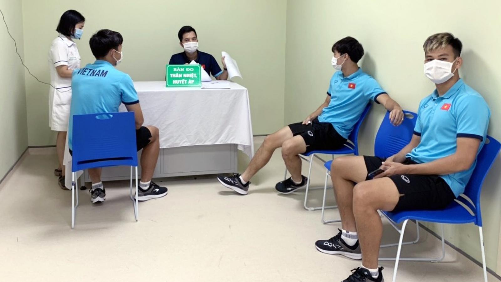 Dàn sao ĐT Việt Nam tiêm xong vaccine ngừa COVID-19, sẵn sàng sang UAE