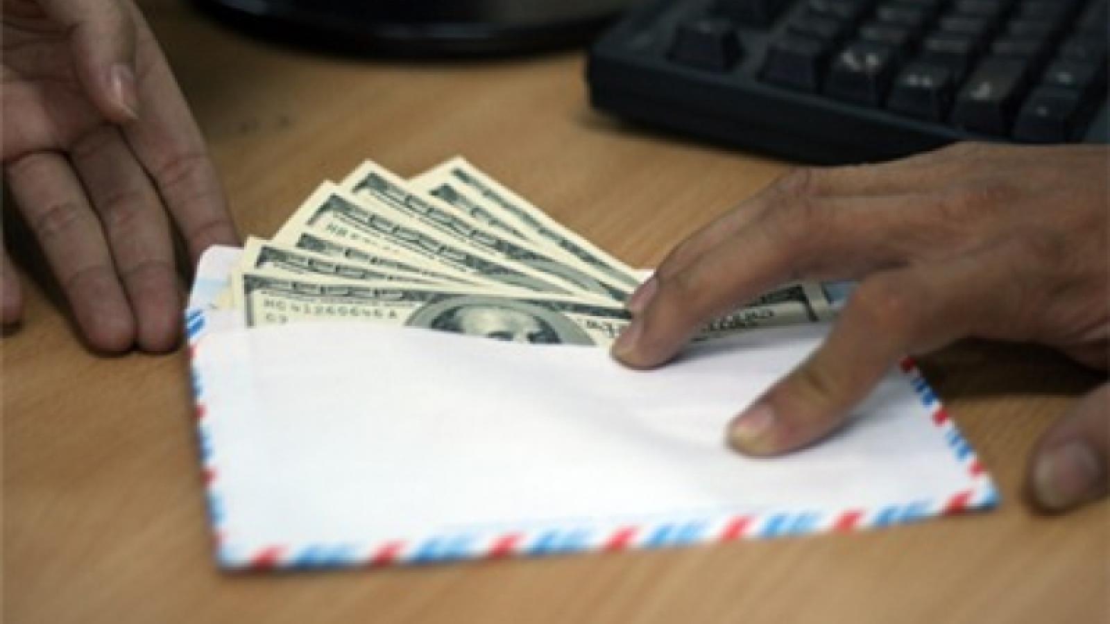 Đề xuất tăng mức phạt tiền với hành vi đưa hối lộ