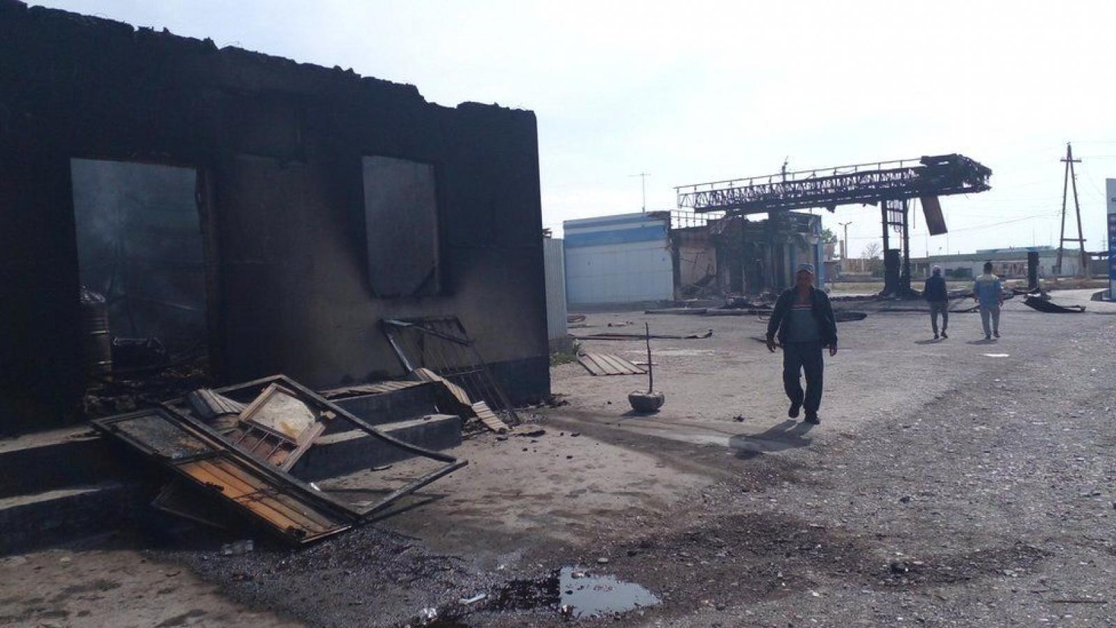Giao tranh tiếp tục nổ ra tại biên giới Kyrgyzstan và Tajikistan