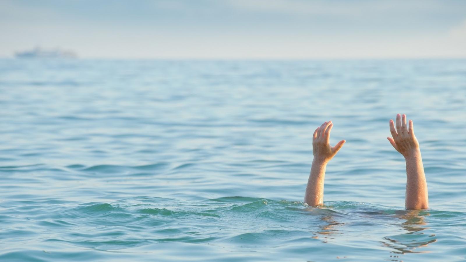 Bộ GD-ĐT yêu cầu tăng cường phòng chống đuối nước cho trẻ em, học sinh dịp hè