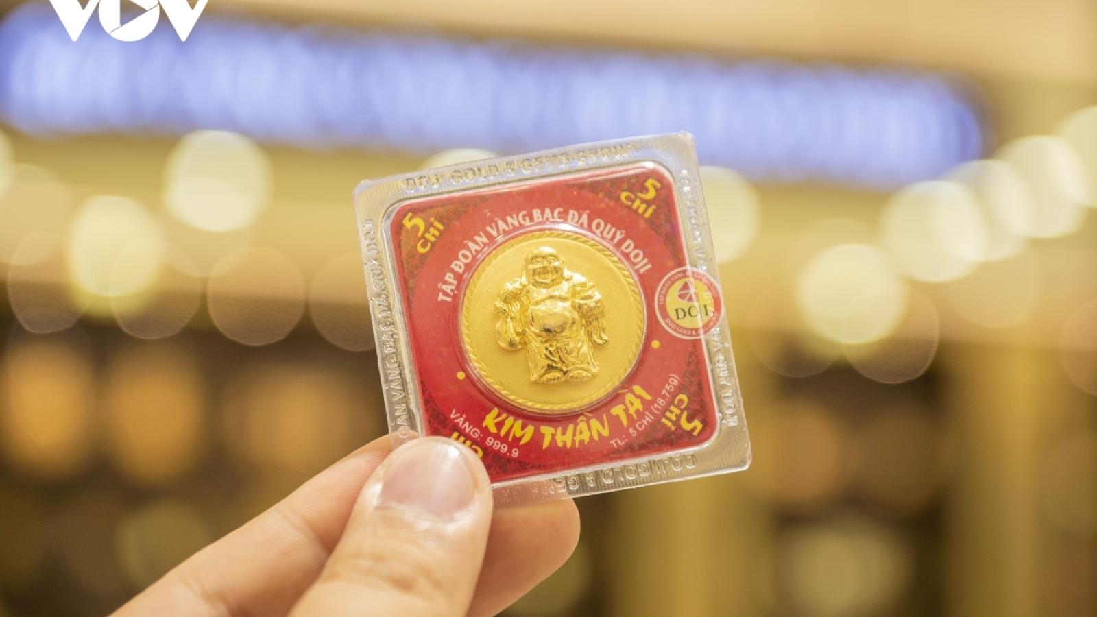 Giá vàng trong nước tăng mạnh, vượt mốc 57 triệu đồng/lượng