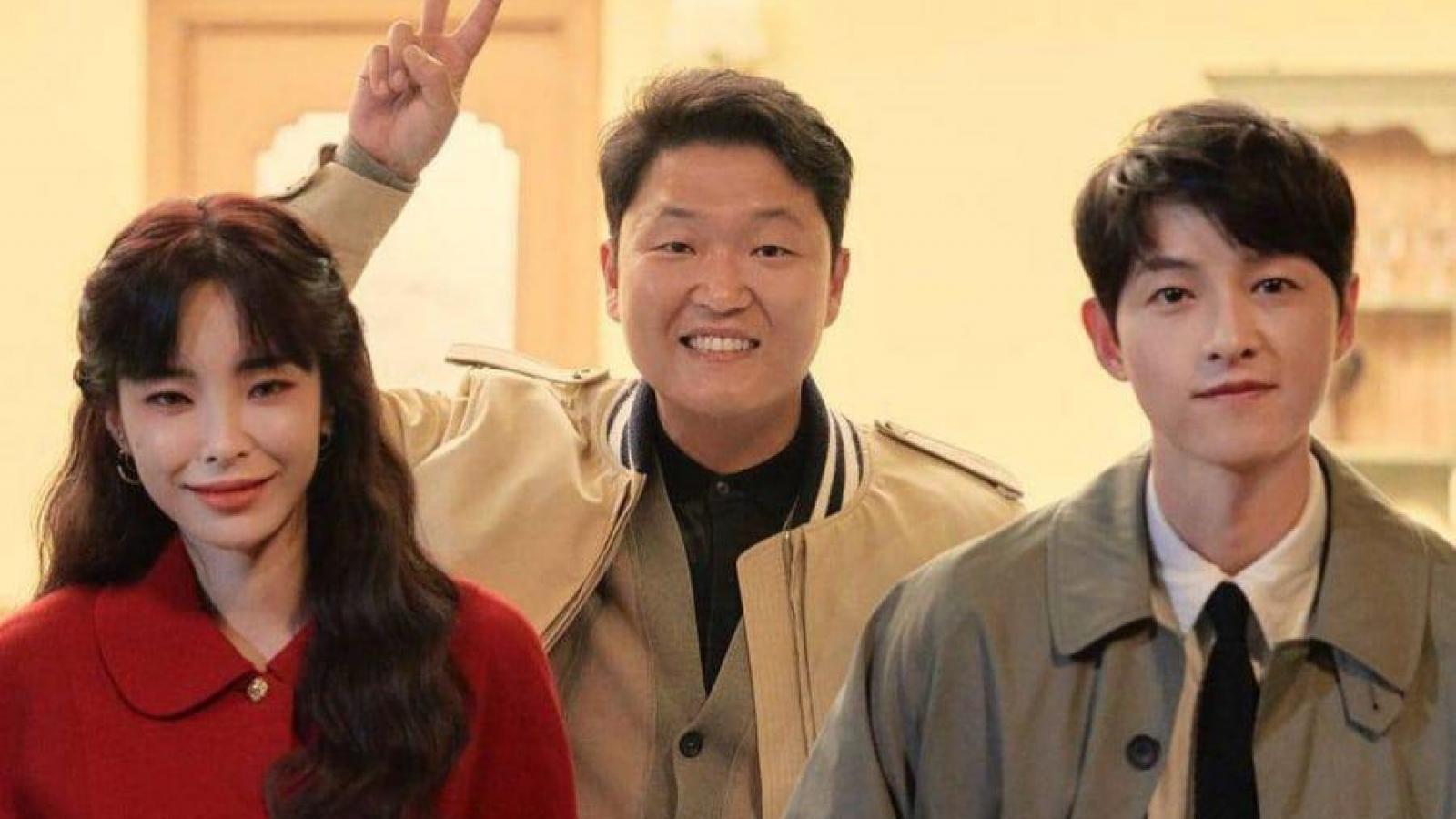 """Sau """"Vincezo"""", Song Joong Ki bất ngờ đóng MV mới"""