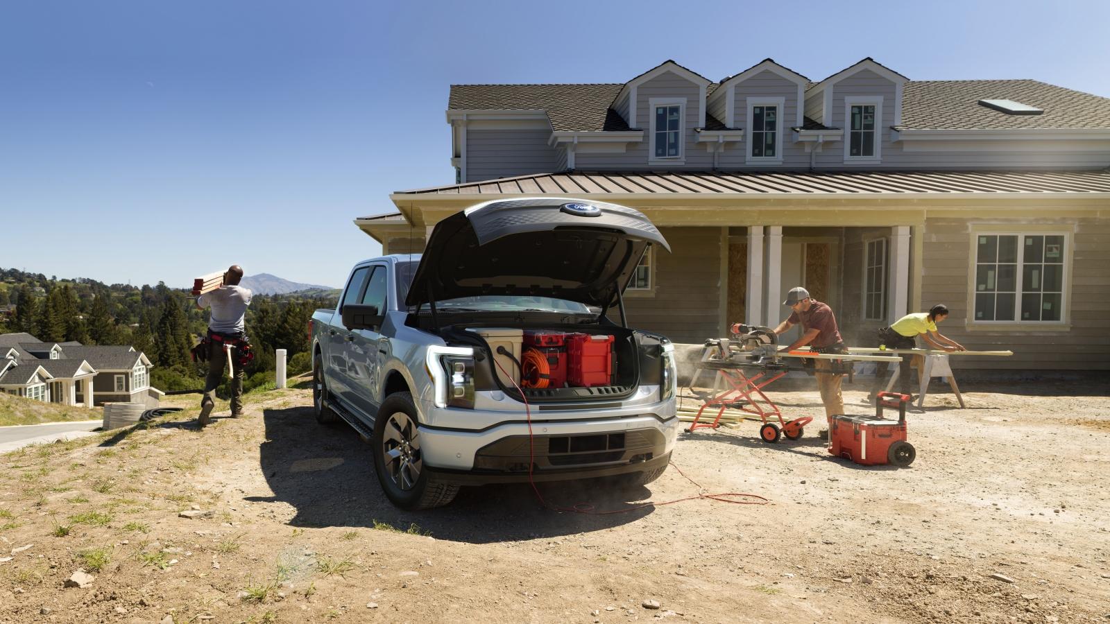 Bán tải chạy điện Ford F150 Lightning có thế cung cấp điện cho cả ngôi nhà