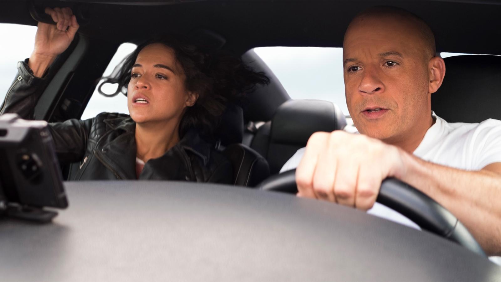 """""""Fast and Furious 9"""" bội thu ngay trong tuần đầu ra rạp"""