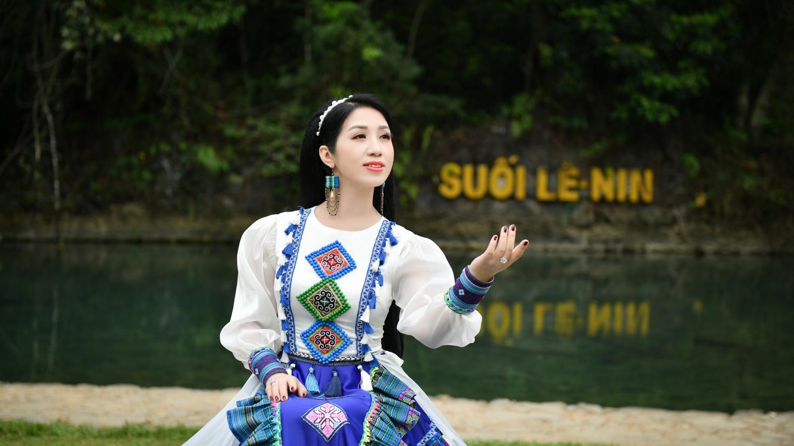 """Phương Nga ra mắt album """"Tiếng hát giữa rừng Pác Bó"""" mừng sinh nhật Bác"""
