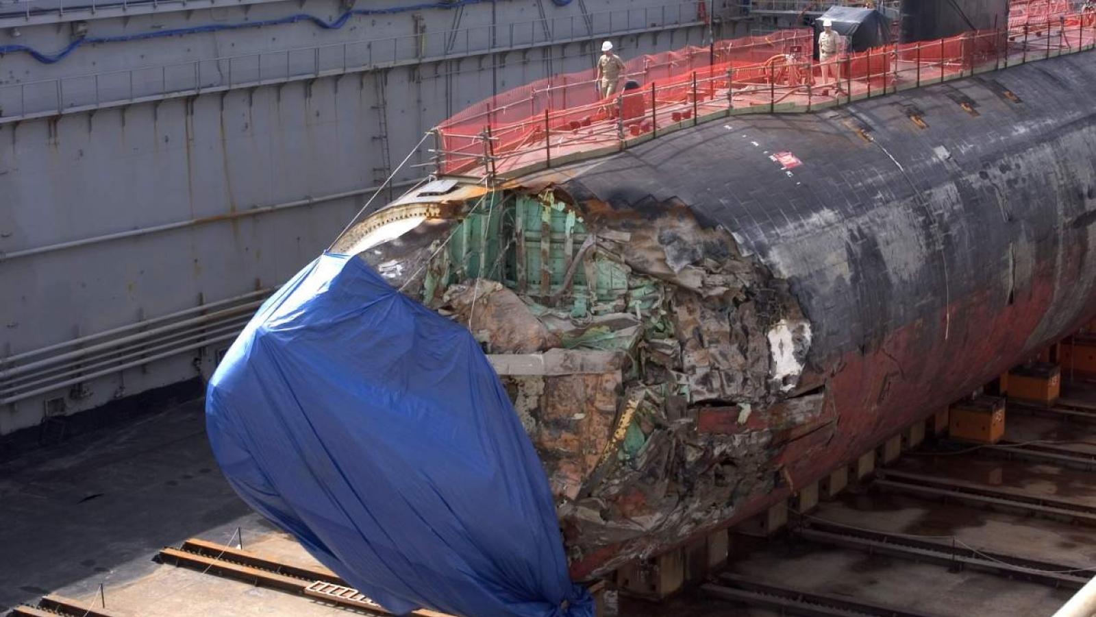 Bẹp rúm đầu vì lao phải núi ngầm, tàu ngầm hạt nhân Mỹ vẫn sống sót kỳ diệu