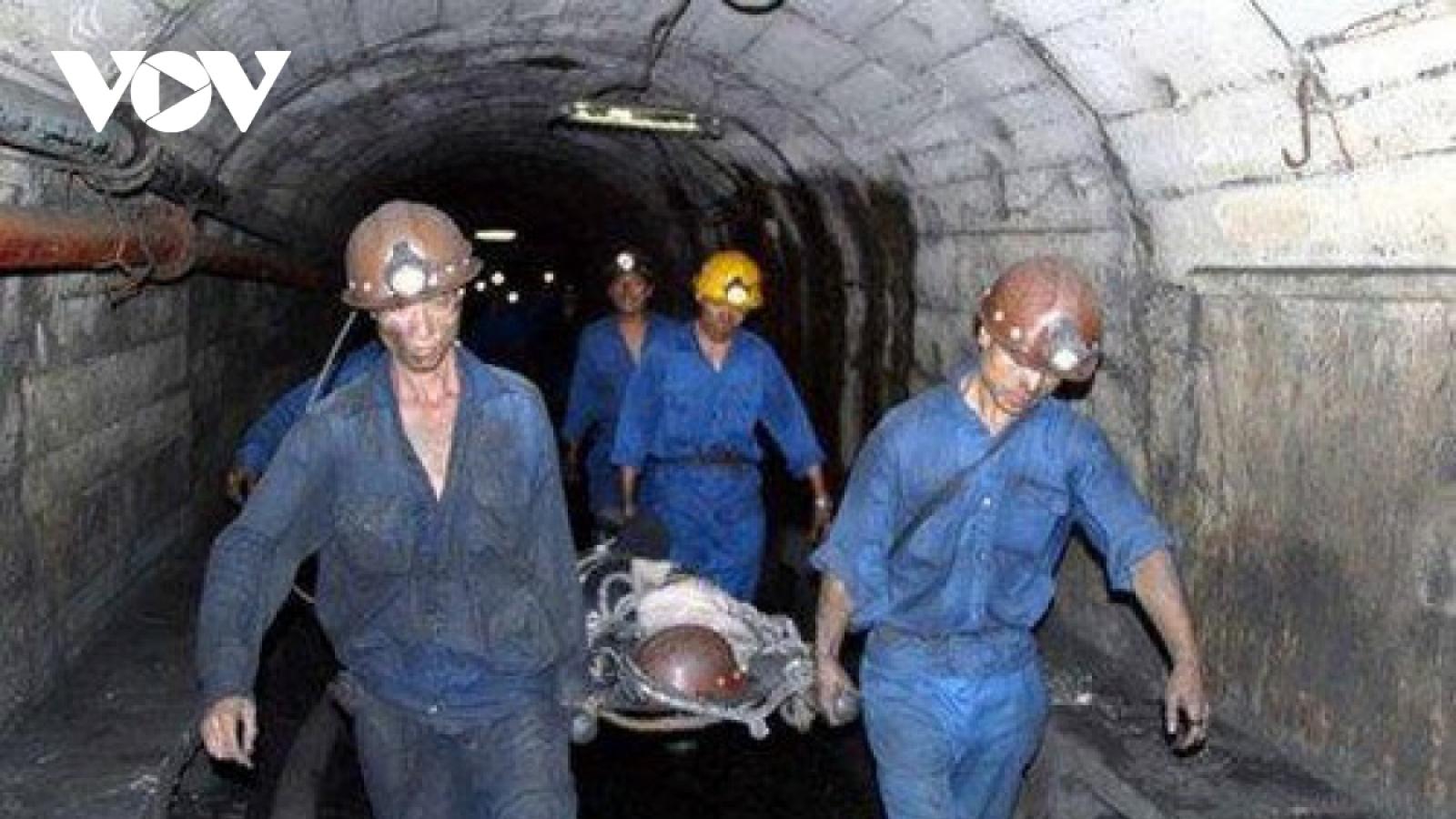 Tai nạn trong hầm lò, một công nhân tử vong