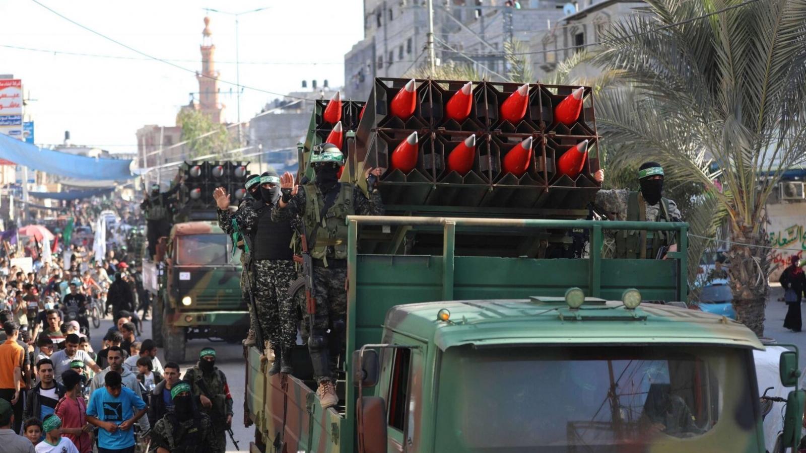 Hamas diễu hành quân sự ở Gaza