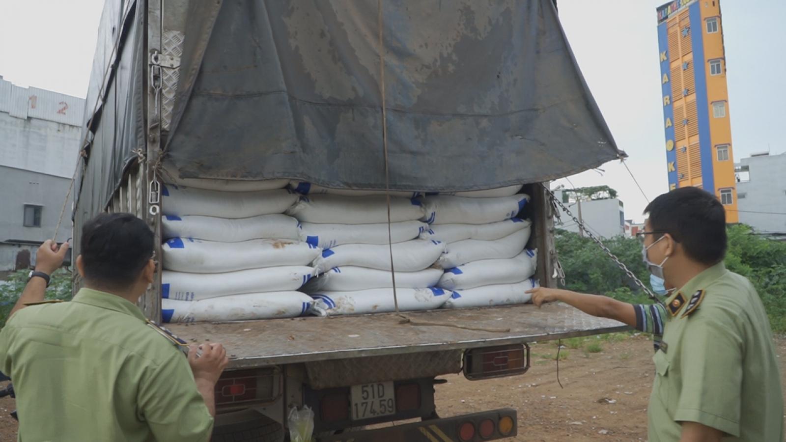 Công an TPHCM truy tìm chủ lô hàng 150 tấn đường nghi nhập lậu