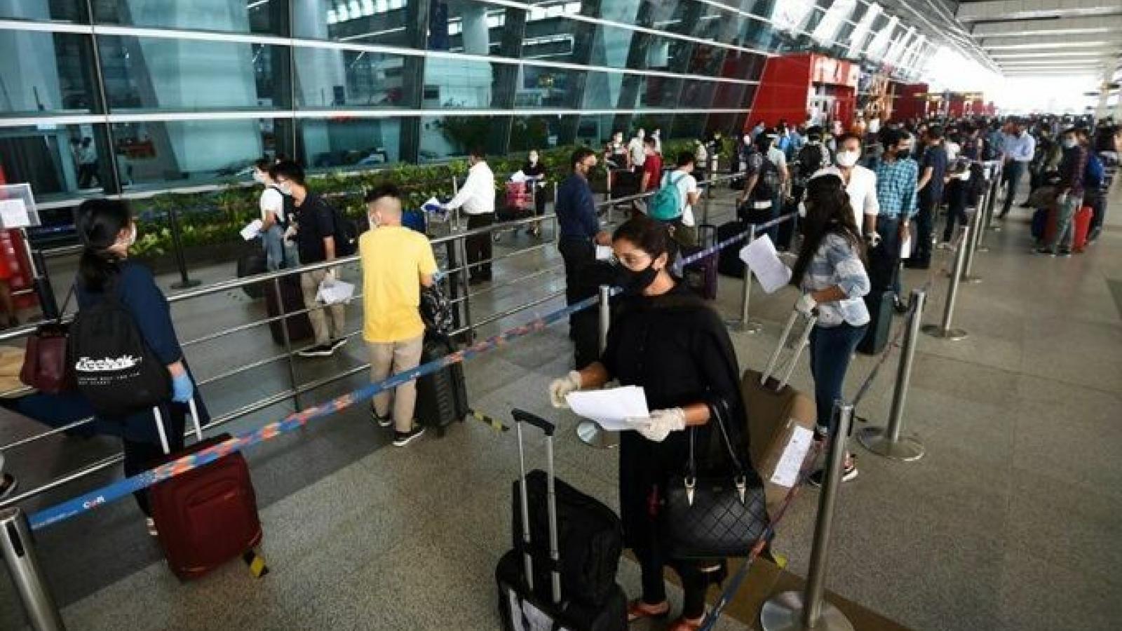 Hàng trăm công dân Hàn Quốc trở về từ vùng dịch Covid-19 Ấn Độ