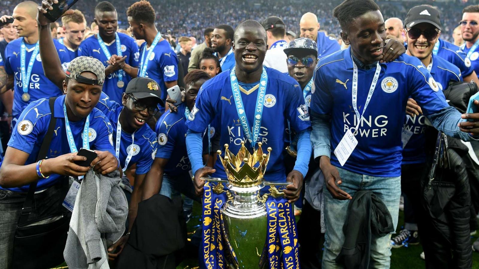 """Ngày này năm xưa: Leicester hoàn tất """"câu chuyện cổ tích"""" ở Ngoại hạng Anh"""