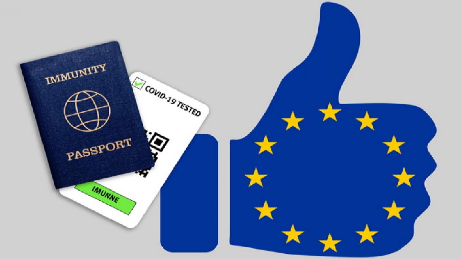 Đông-Trung Âu xem xét cho người đã tiêm chủng đi lại tự do, Séc đề phòng chứng chỉ giả