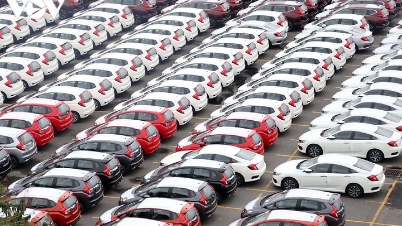 Ô tô nhập khẩu về Việt Nam vẫn tăng cao so với cùng kỳ 2020