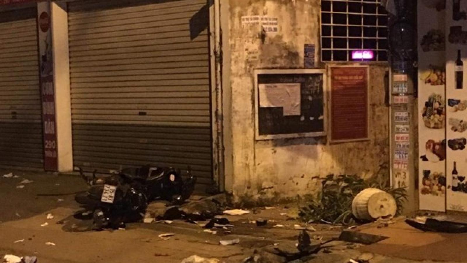Do mâu thuẫn, lái xe ô tô lao thẳng vào xe máy khiến 2 thanh niên tử vong