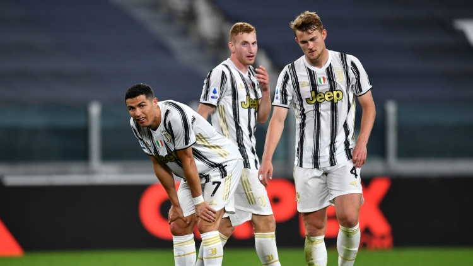 "Ronaldo bất lực, Juventus ""thua thảm"" Milan"
