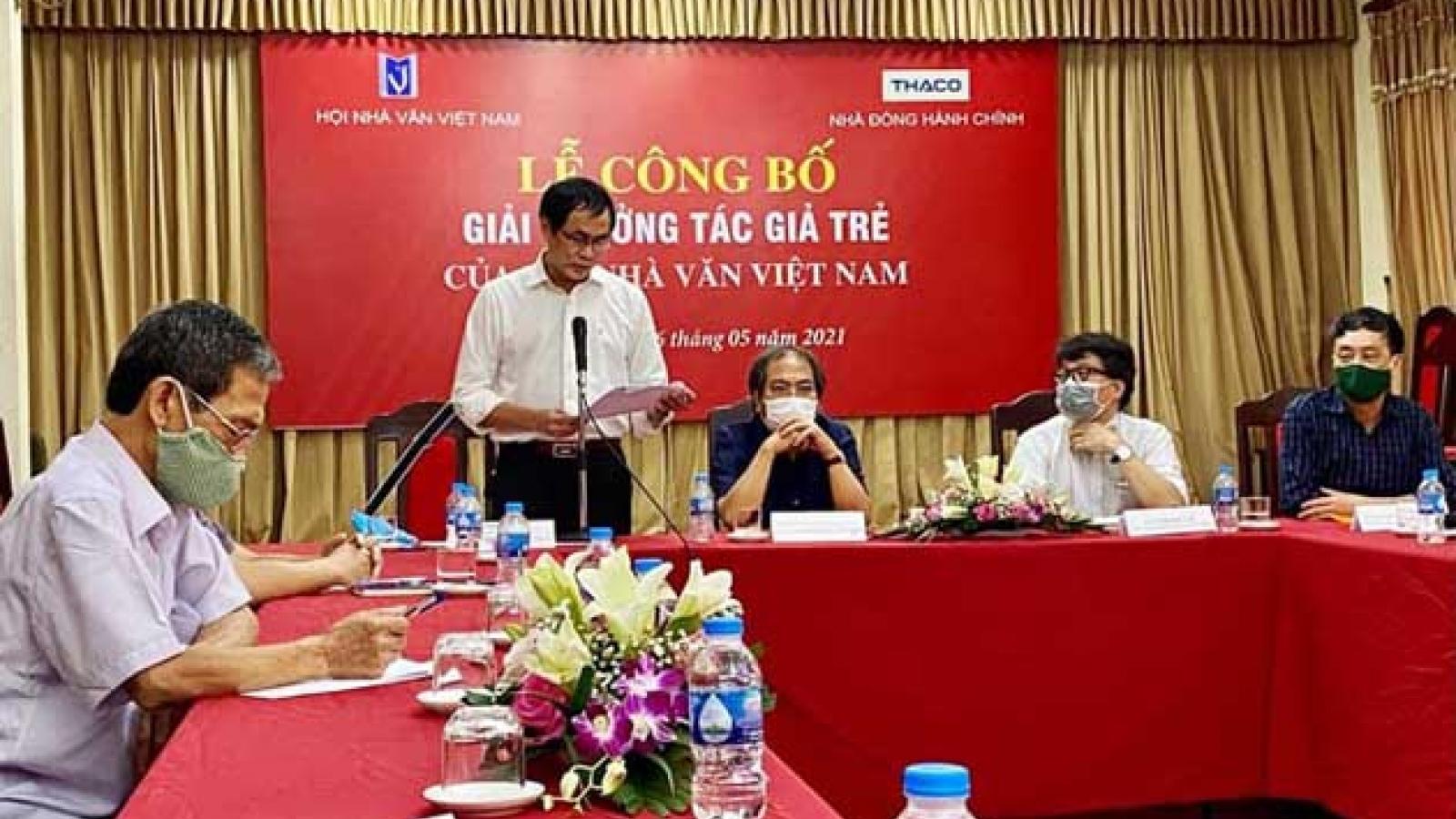 """""""10 năm nữa sẽ có một gương mặt mới mẻ hơn trong chân dung văn học Việt Nam"""""""