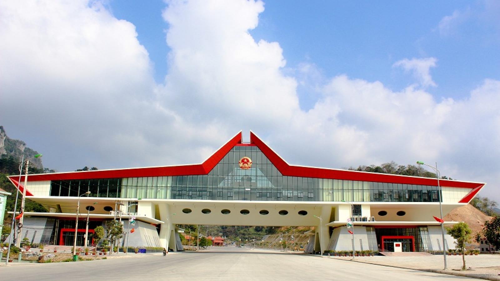 Truy vết, cách ly những người liên quan đến ca nhiễm COVID-19qua cửa khẩu ở Lạng Sơn