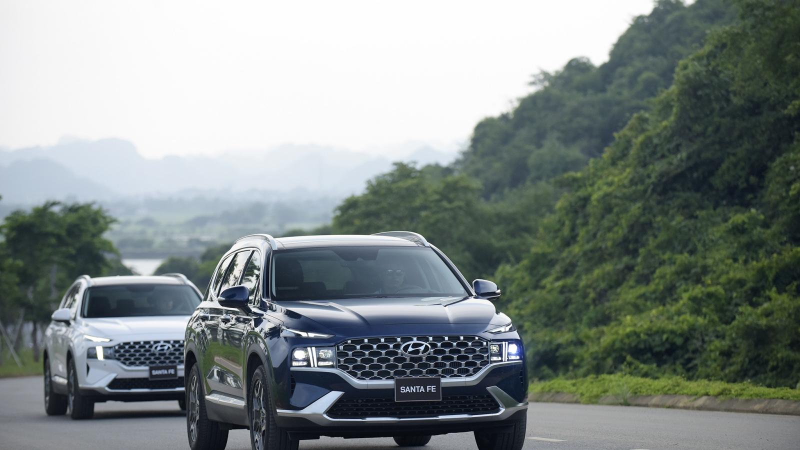 Ảnh chi tiết Hyundai Santa Fe 2021 giá từ 1,03 tỷ đồng