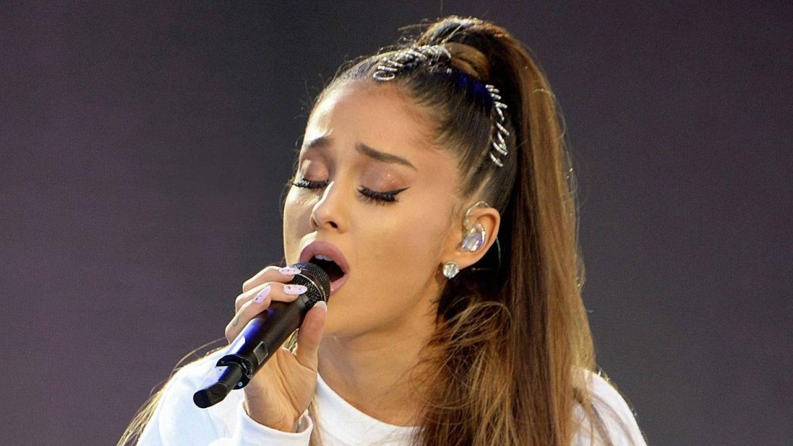 Ariana Grande vẫn chưa thôi đau buồn, 4 năm sau vụ đánh bom ở Manchester