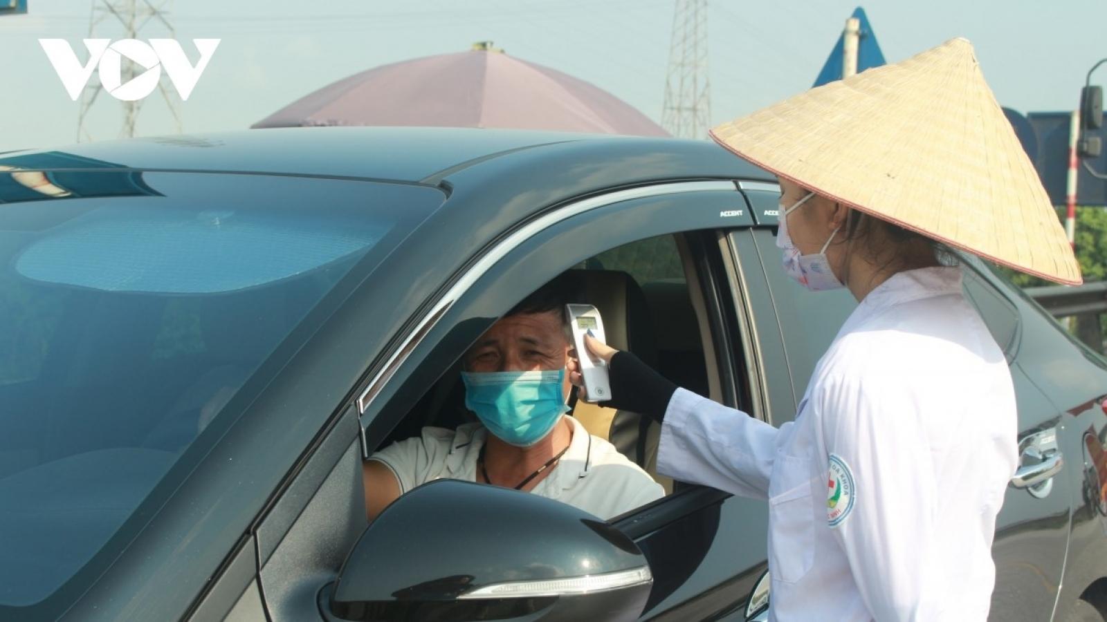 Giám sát chặt chẽ người và phương tiện ra vào huyện Thuận Thành, Bắc Ninh