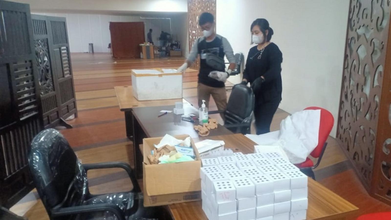 Sốc với hành vi tái sử dụng que xét nghiệm Covid-19 ở Indonesia