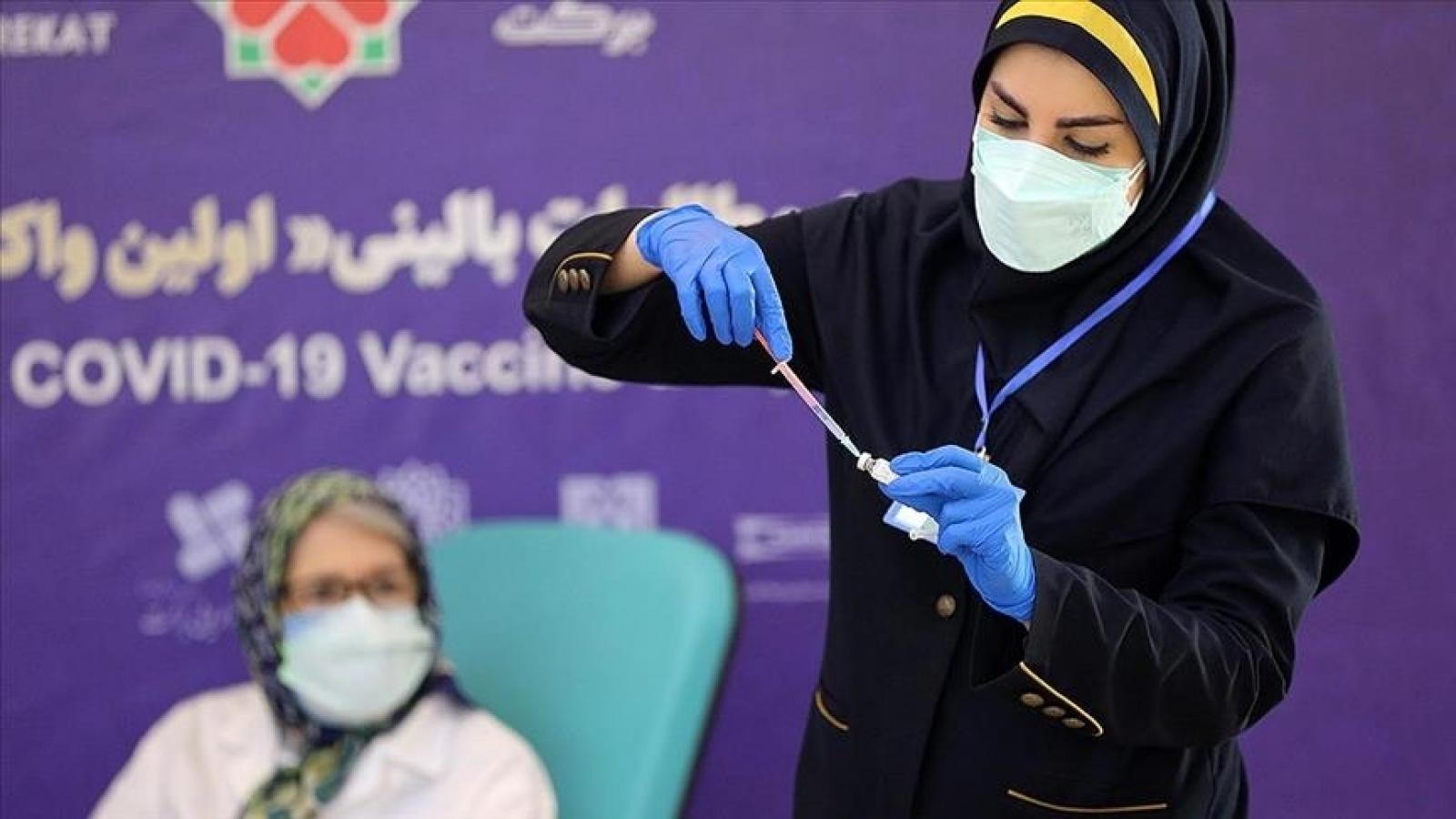 """Iran khai trương Trung tâm tiêm chủng Covid-19 lớn """"chưa từng có"""""""