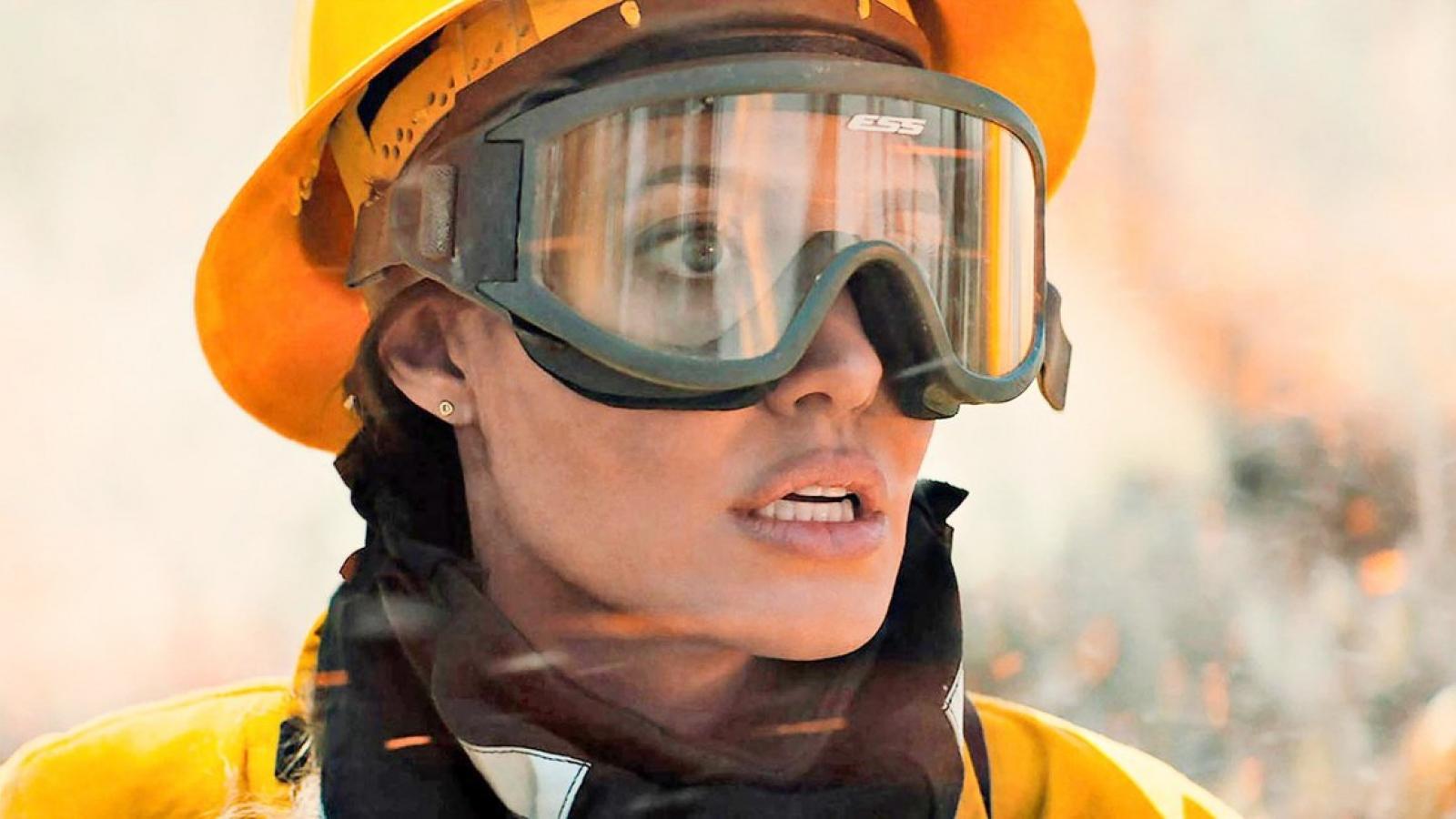 """Angelina Jolie tái xuất màn ảnh cùng """"tình cũ"""" Jennifer Lawrence"""