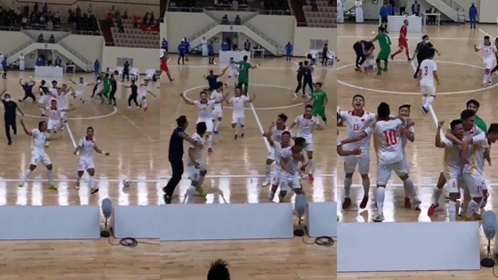 Khoảnh khắc vỡ òa khi ĐT Futsal Việt Nam giành vé dự World Cup