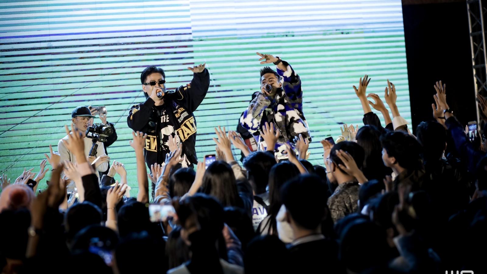 """Lăng LD """"song kiếm hợp bích"""" với Khoa trong MV """"Ngộ"""" nhiều cảm xúc"""