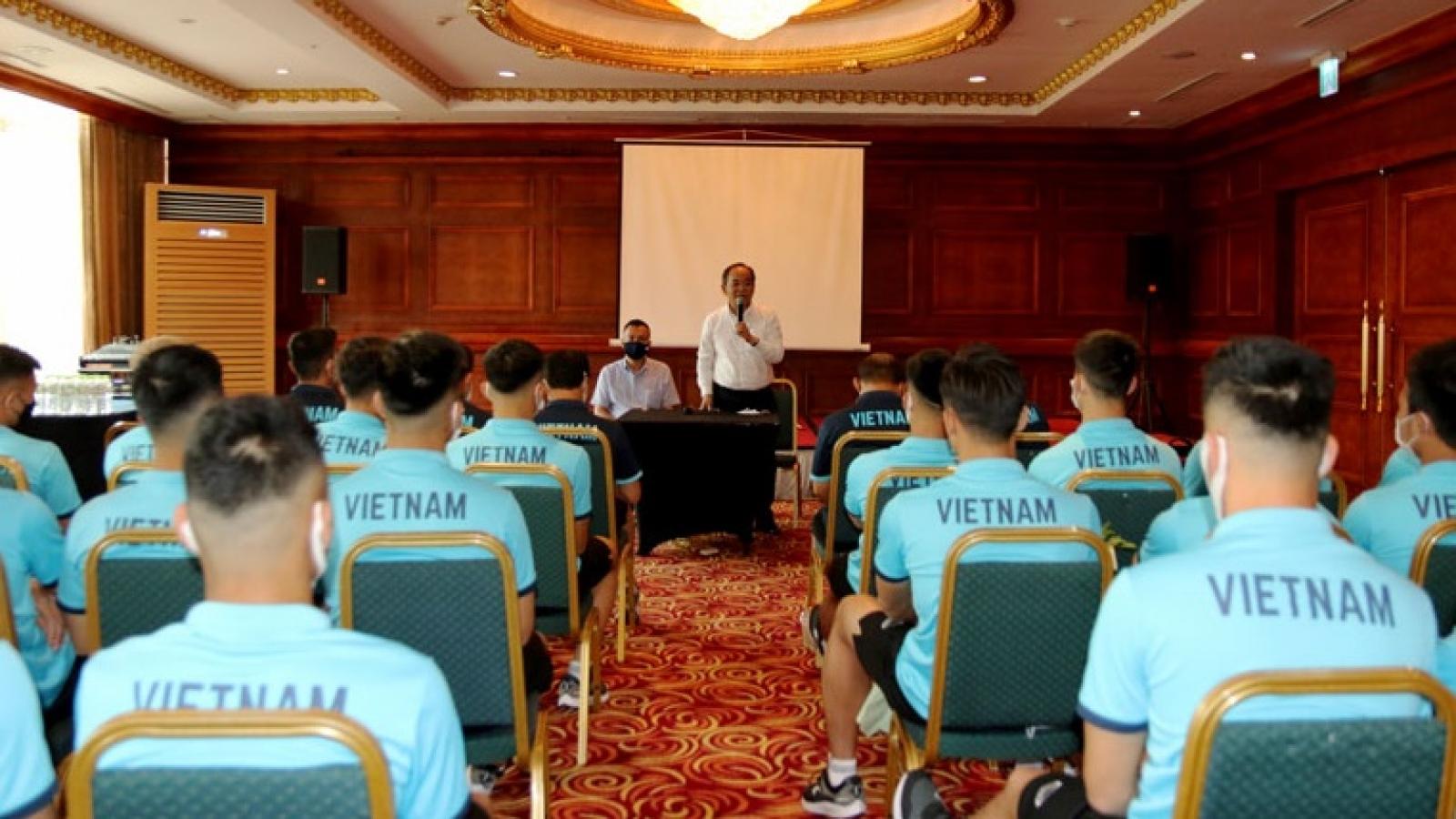 Chủ tịch VFF động viên và giao nhiệm vụ cho thầy trò HLV Park Hang Seo