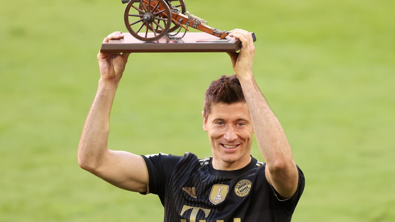 Haaland tỏa sáng, Lewandowski phá kỷ lục trong ngày hạ màn Bundesliga