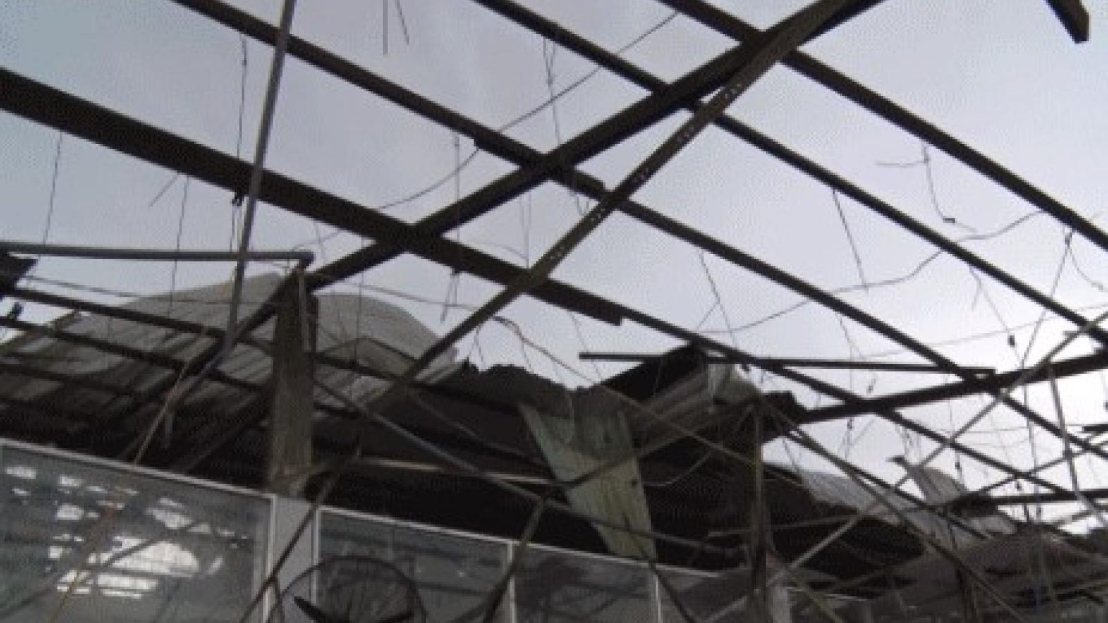 Dông lốc, sạt lở gây thiệt hại gần 3 tỷ đồng ở Hậu Giang