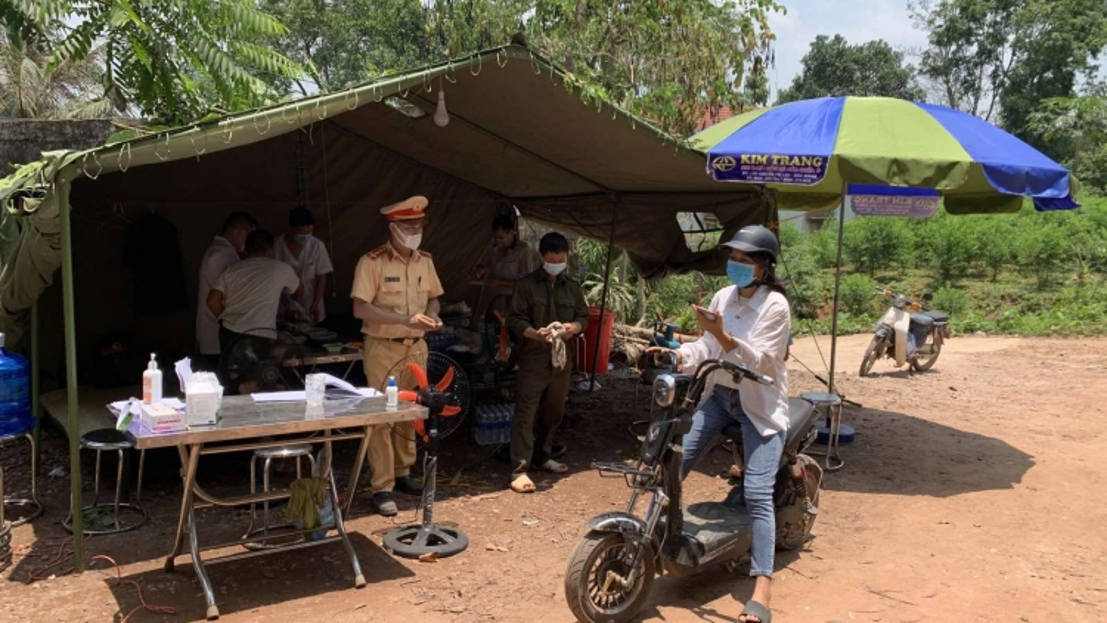 Ngăn chặn sự lây lan Covid-19 từ khu dân cư thôn Chim (Lạng Sơn)