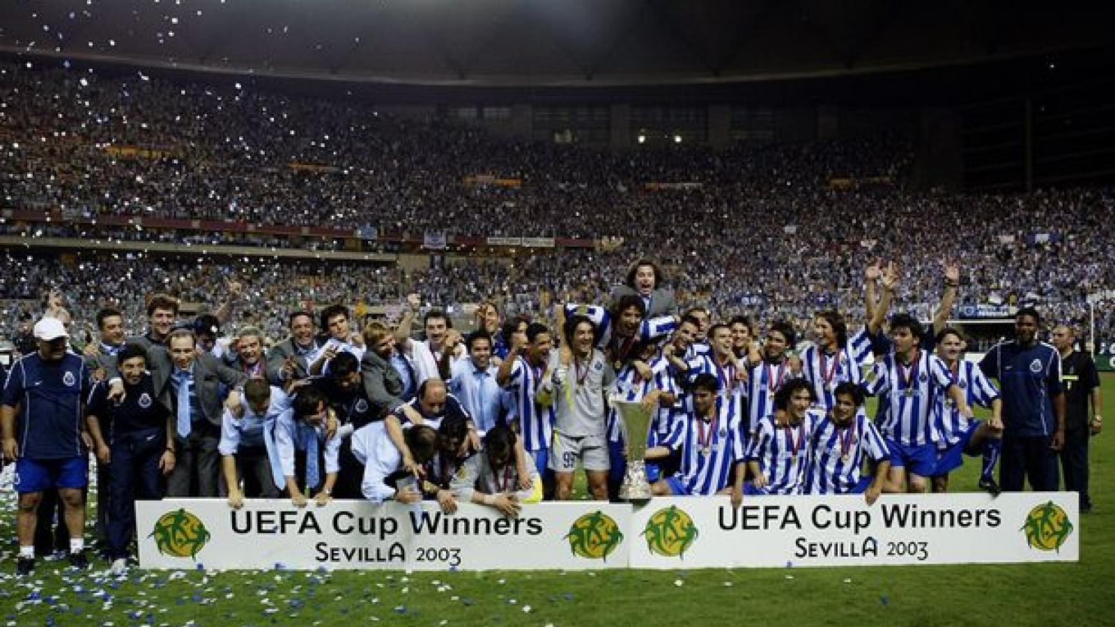 Ngày này năm xưa: HLV Mourinho lần đầu vô địch châu Âu