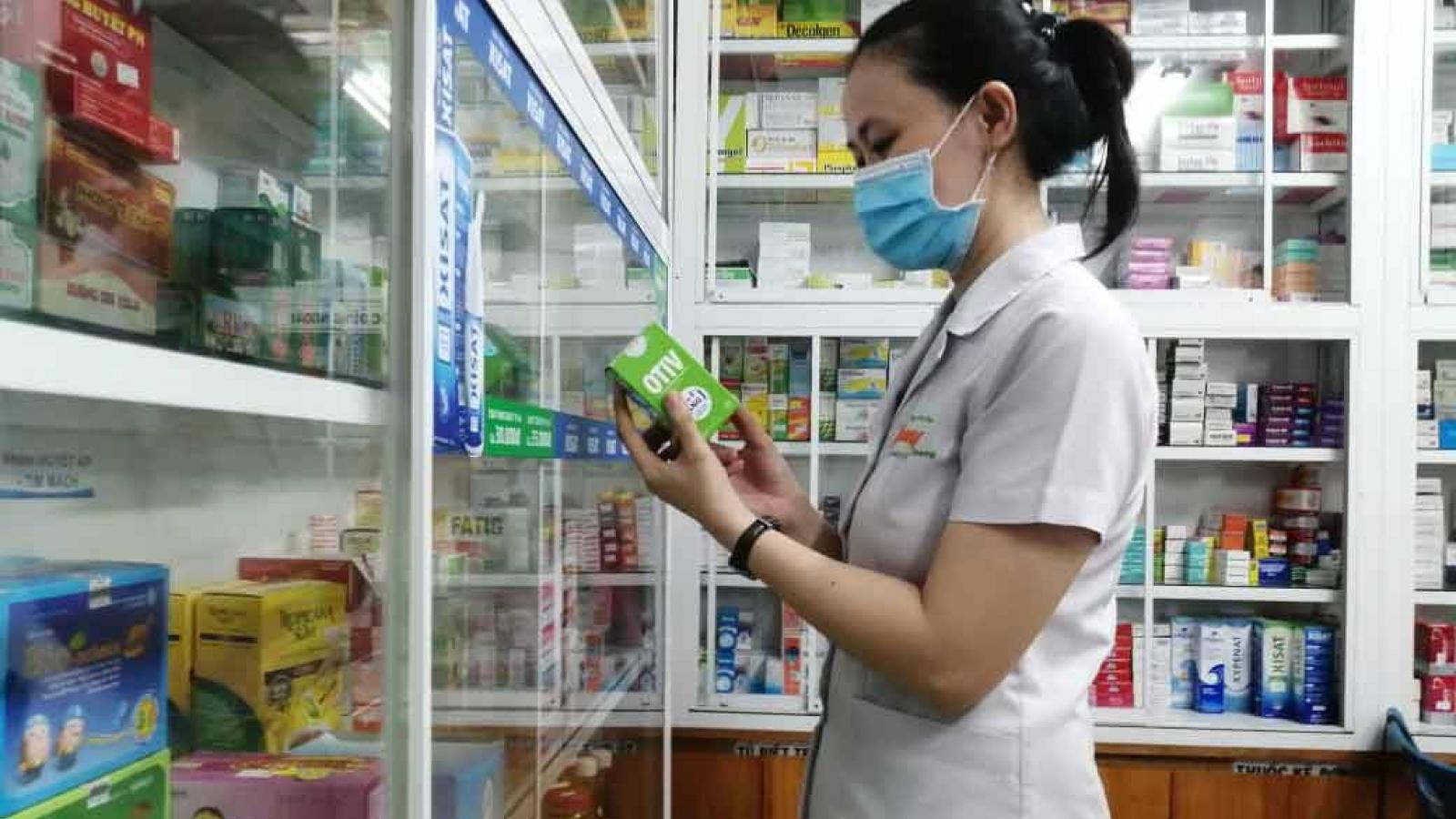 Người dânTP HCMmua thuốc ho, sốt tại các tiệm thuốc phải khai báo y tế