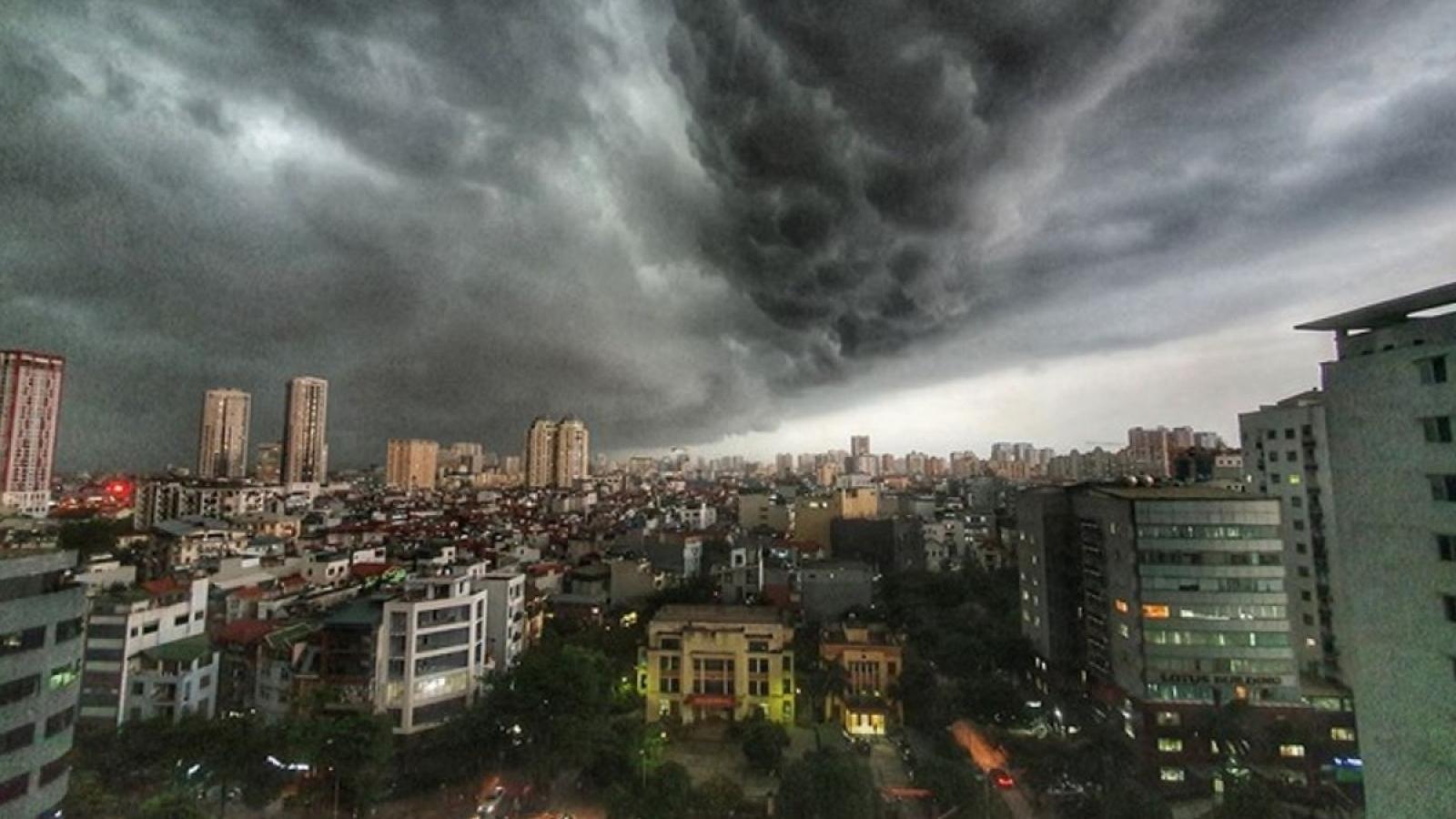 Thời tiết ngày 4/5: Hà Nội ngày nắng, đêm có mưa to