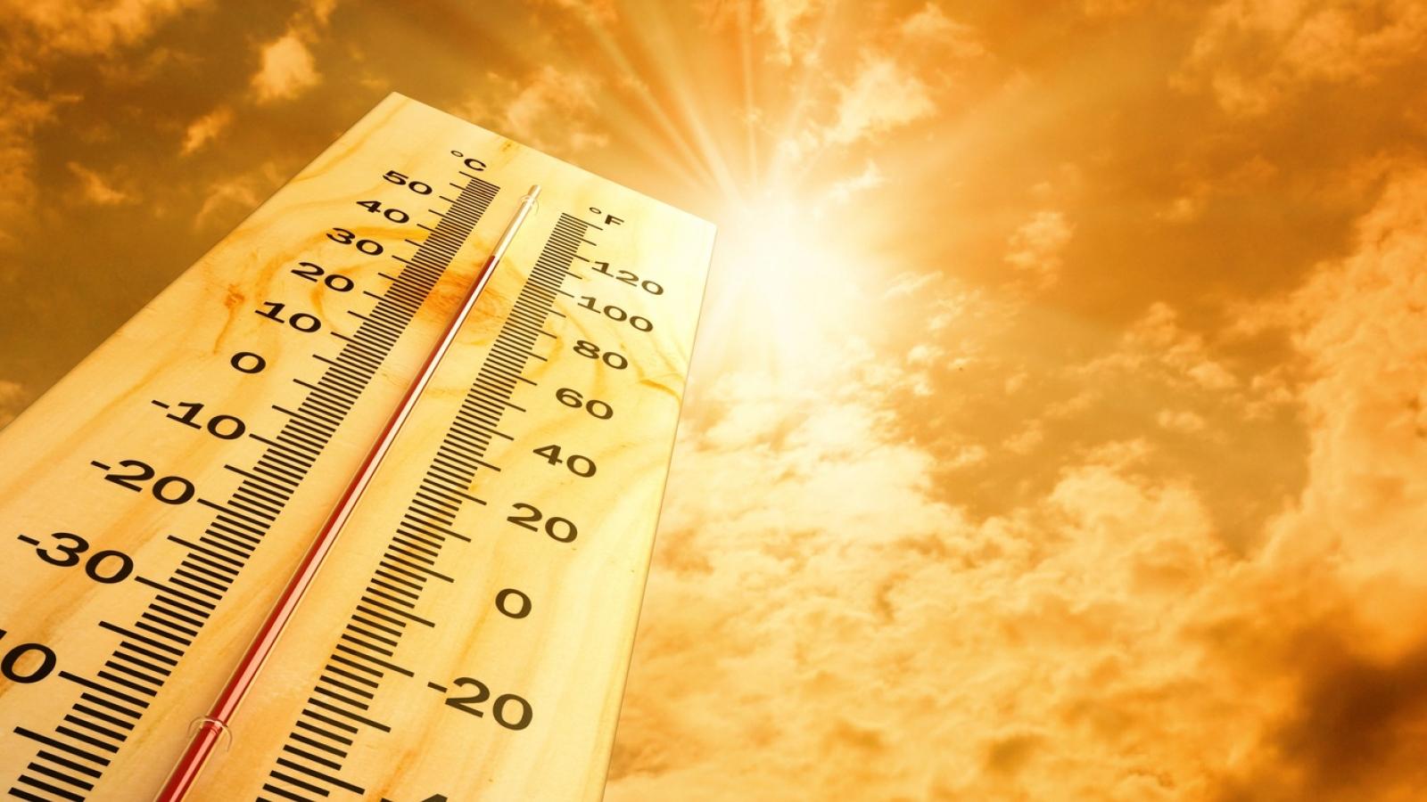 Bắc bộ và Trung bộ tiếp tục nắng nóng, dự kiến kéo dài đến 17/5